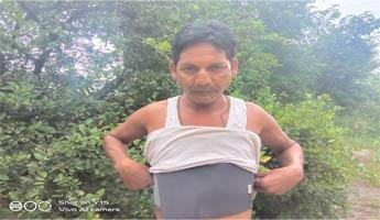 कुख्यात लकड़ी तस्कर पन्नु साहू के आतंक के चलते आक्रोश में पूरा गांव
