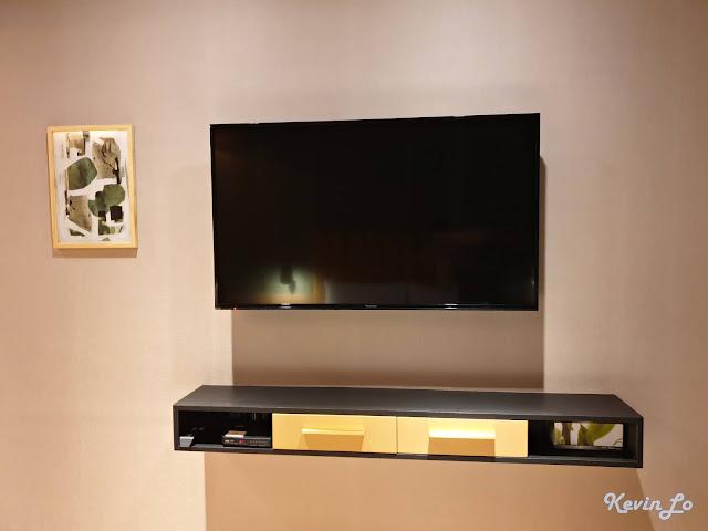 康橋慢旅49吋LCD平面電視