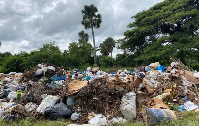 Ayuntamiento de Canca la Piedra   convierte en vertedero terreno de cementerio