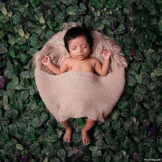 Latest Baby Photoshoot Pose