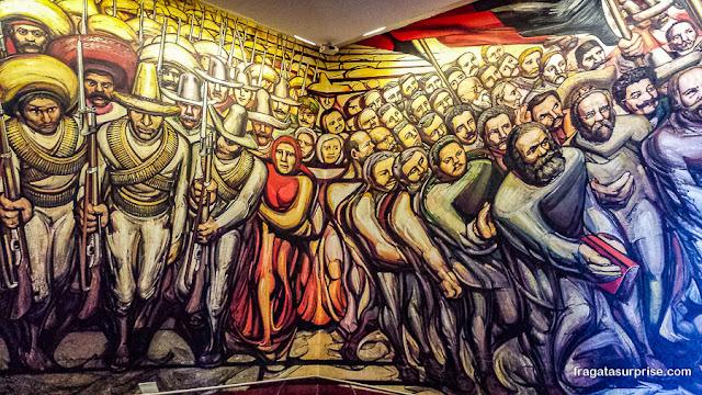 """Mural """"Do Porfiriato à Revolução"""", de David Alfaros Siqueiros, Castelo de Chapultepec, Cidade do México"""