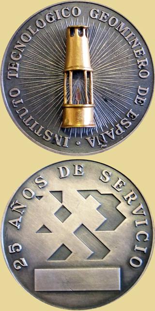 Medalla por los 25 años de servicio en el Instituto Tecnológico Geominero de España