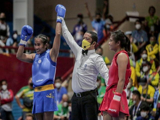 Atlet Wushu Sanda, Moria Manalu Sukses Persembahkan Medali Emas ke Papua.lelemuku.com.jpg