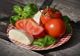 Kebaikan buah tomato untuk kulit muka