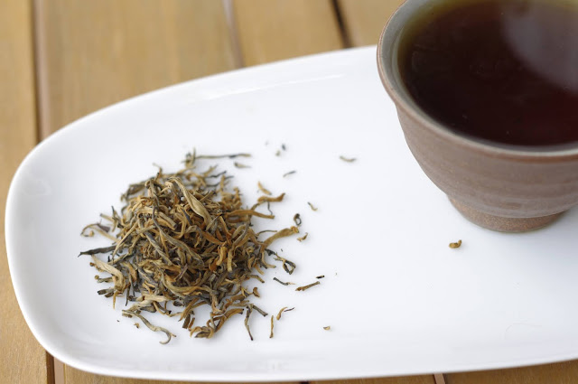 Teavivre Award Winning Yun Nan Dian Hong Black Tea Golden Tip