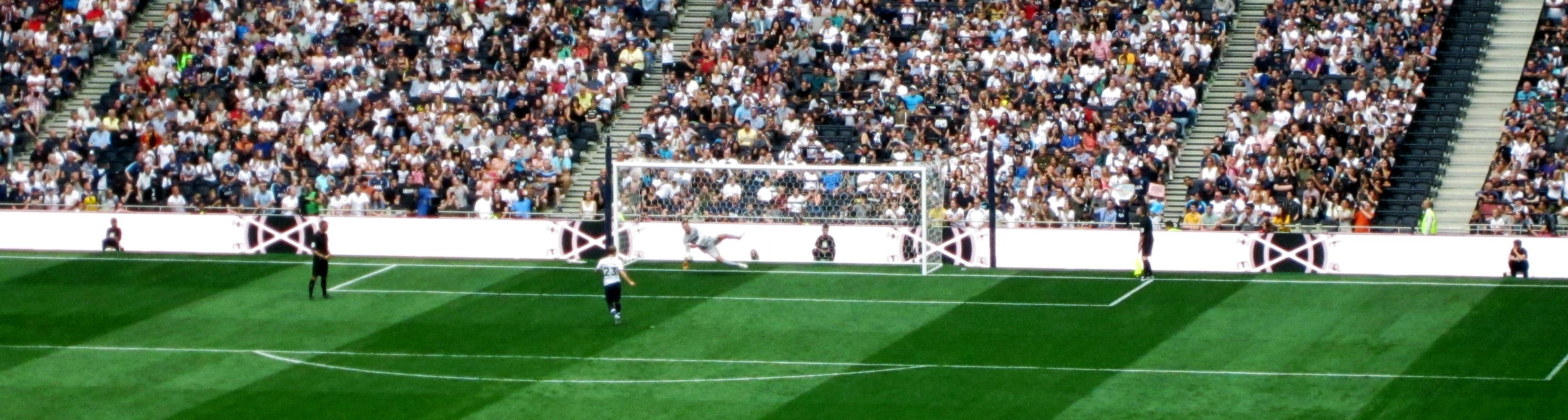 Christian Eriksen takes a penalty for Tottenham Hotspur