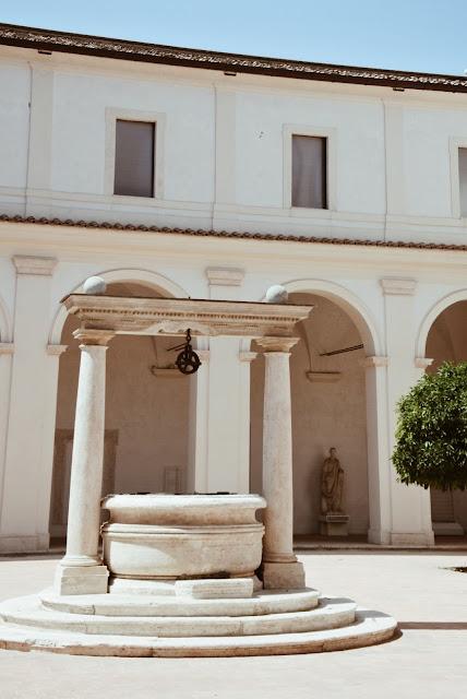 Luostariaukion kaivo, Dicletiuksen kylpylä Rooma