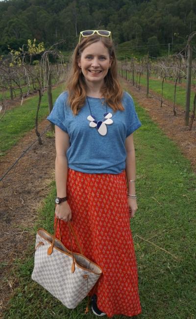blue tee with red boho print maxi skirt, louis vuitton damier azur neverfull MM day at mountview alpaca farm | awayfromblue