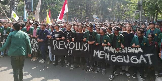 Mahasiswa Akan Gabung dengan Buruh Demo di Istana Negara