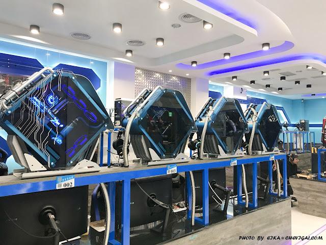 IMG 1220 - 台中大里│吉吉網路生活館-大里店。號稱台中最狂電競網咖,49吋大螢幕讓你身歷其境!