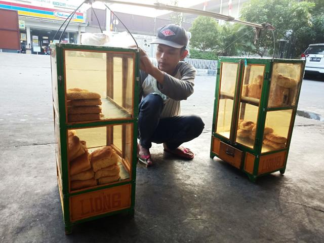 Roti Liong Bikin Kangen