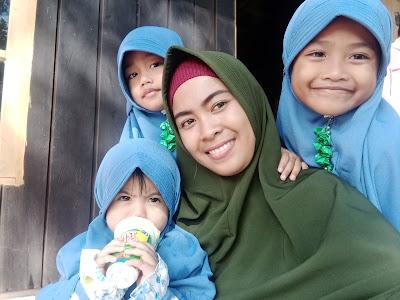 Bukti Harapan Orang Tua Kepada Anaknya Adalah Dengan Cara Mendidik Anak Sebaik Mungkin