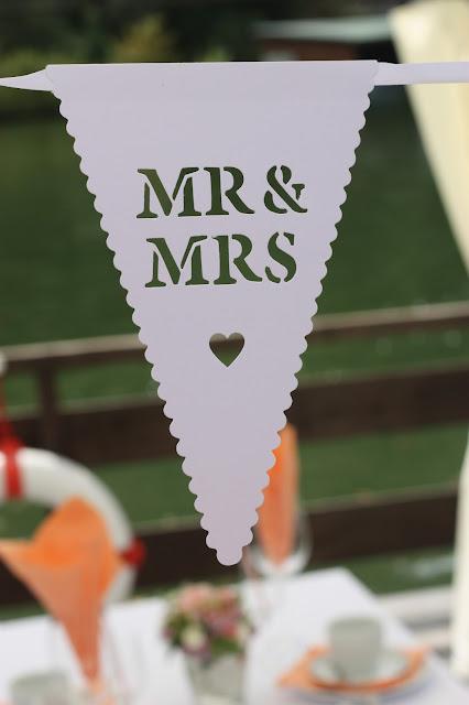 Mr & Mrs - kleine Hochzeit zu Zweit in Garmisch-Partenkirchen, Bayern, im Hochzeitshotel Riessersee Hotel - Just a two of us - Wedding in Bavaria during your holidays