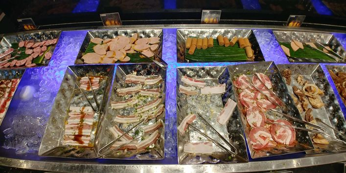 Fresh meat selection at Yakimix