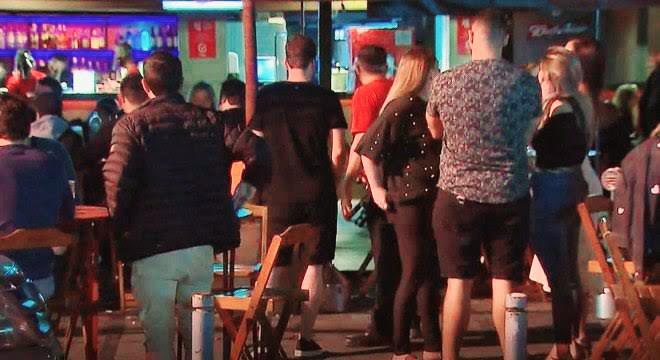 Ji-Paraná – Aglomeração, som ao vivo e muita Polícia em bar na noite desta sexta-feira