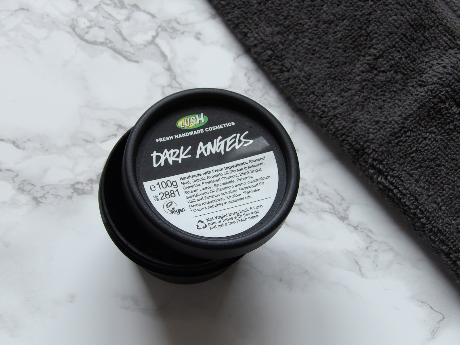 LUSH DARK ANGELS FACIAL CLEANSER | REVIEW