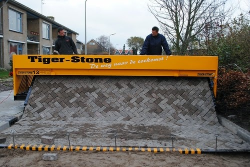 01-Tiger-Store-Super-Road-Paving-Machine-www-designstack-co