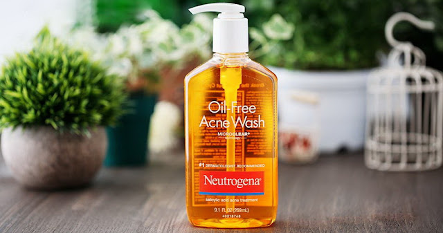 Sữa rửa mặt trị mụn Neutrogena Oil-Free Acne Wash review