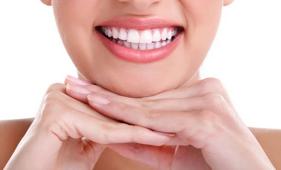Cara Memutihkan Gigi Secara Alami Dalam Waktu 5 Menit