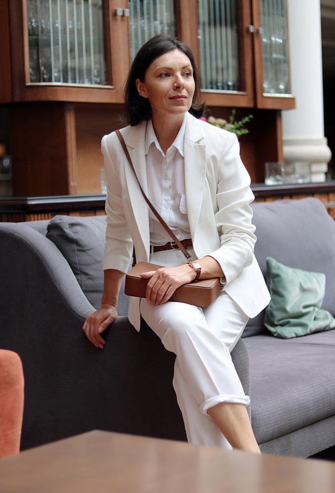 Białe spodnie do czego