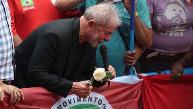 No dia seguinte a sua liberdade da prisão em Curitiba, o Ex-Presidente Lula,  fez um belíssimo pronunciamento encorajador, em um grande ato político no Sindicato dos  metalúrgicos de São Bernardo do Campo do ABC paulista. No mesmo local quando foi preso em 07/04/18.
