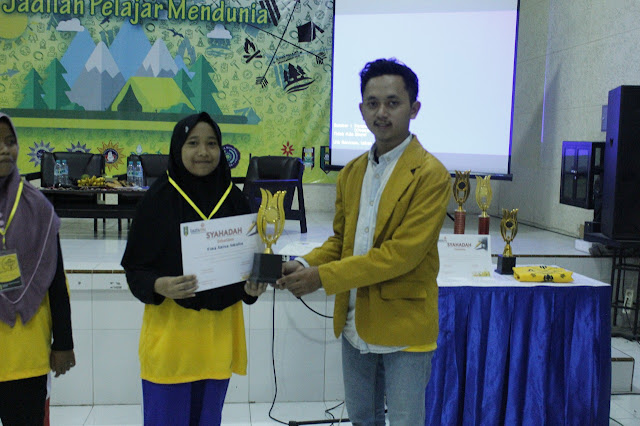 Fina Anisa Amalia Pemenang Juara Harapan ke-3 Literasi