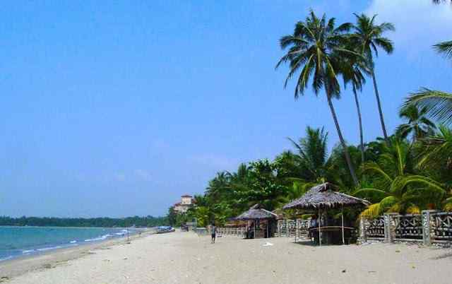 Pantai Anyer Memiliki Daya Tarik Tersendiri Bagi Wisatawan