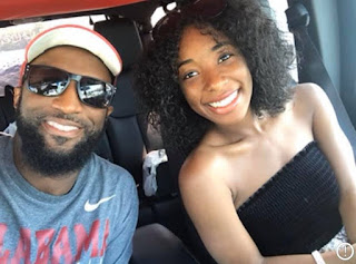 Aaryn Smiley with her father Rickey Smiley clicking selfie sitting inside the car