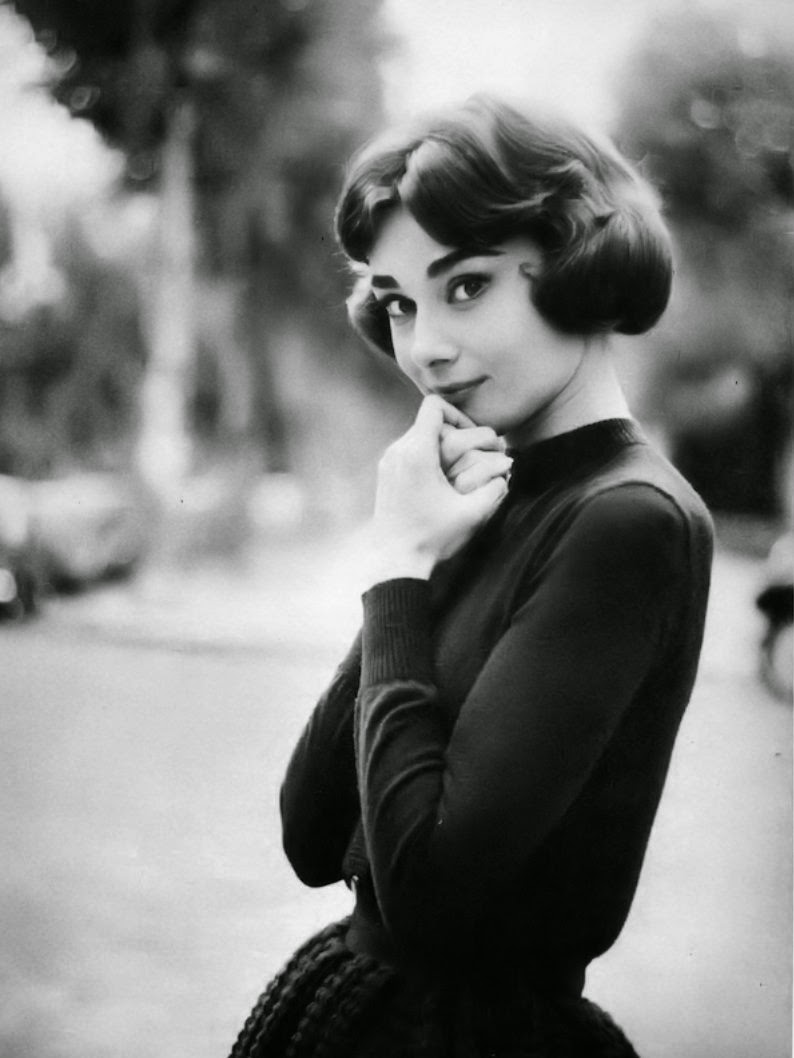 Beautiful Fashions Of Audrey Hepburn In The 1950S -1806