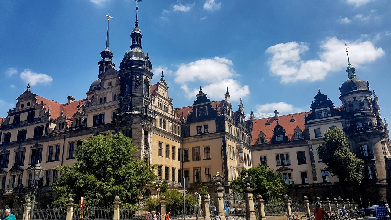 Rezydencja Wettynów w Dreźnie a w niej muzeum z licznymi trasami dla zwiedzających.