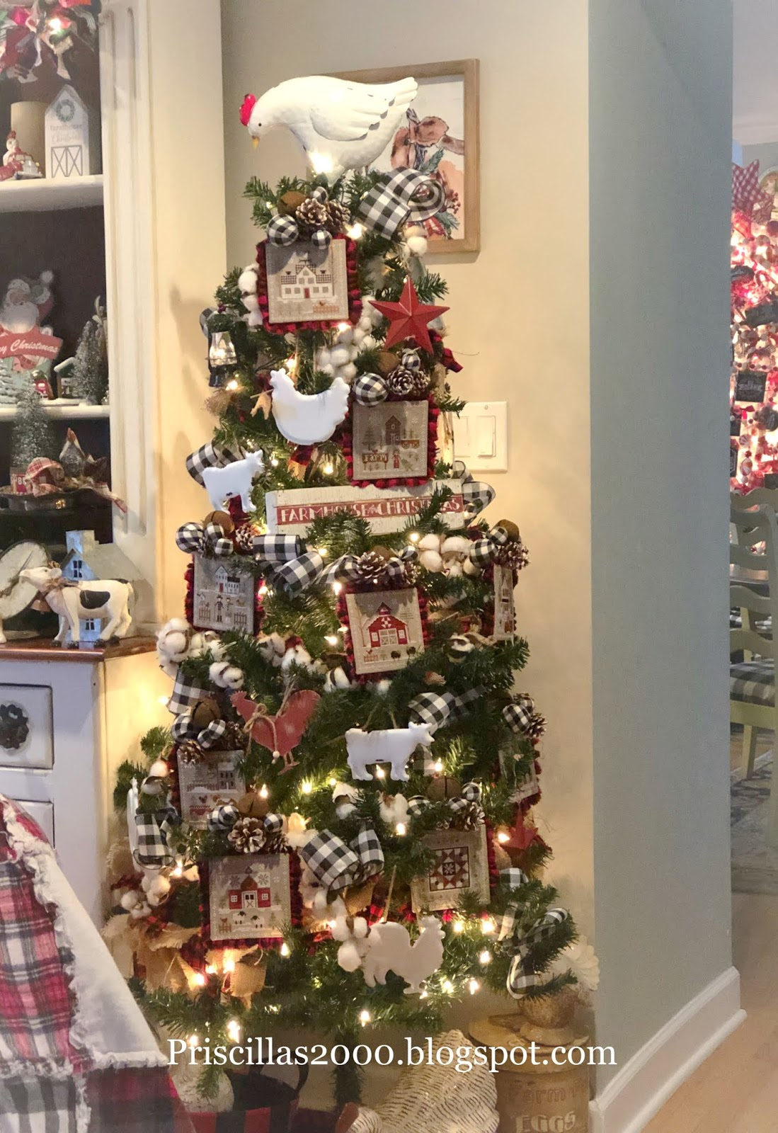 Priscillas Farmhouse Christmas Tree