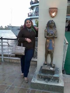 مطلقة مصرية 44 سنة اعمل بوظيفة حكومية ميسورة الحال لدى شقة جاهزة خاصة