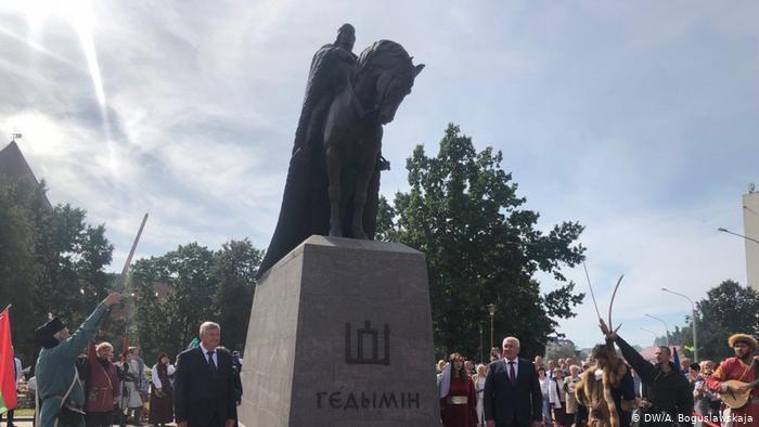 Baltarusiai stato paminklus LDK kunigaikščiams, o galimai Rusijos įtakos agentas Šimašius Tautai draudžia Lietuvos sostinėje statyti Vytį!