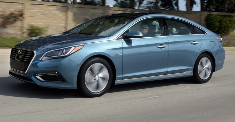 2016 hyundai sonata plug in hybrid starts at 35 435 offers 27 mile ev range. Black Bedroom Furniture Sets. Home Design Ideas