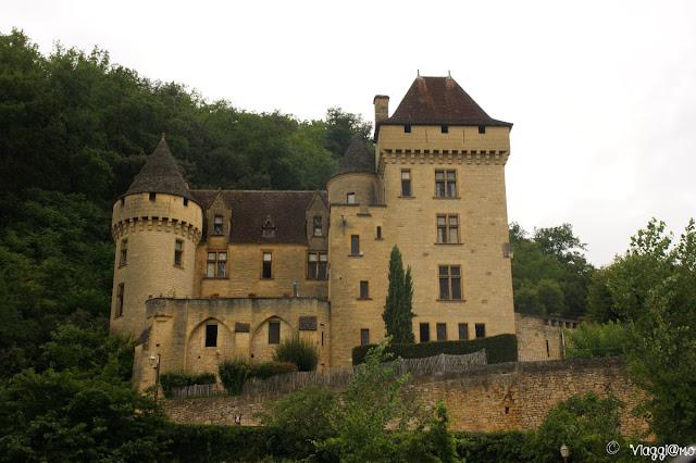 Il Castello de la Malartie poco fuori dal centro abitato de La Roque Gageac