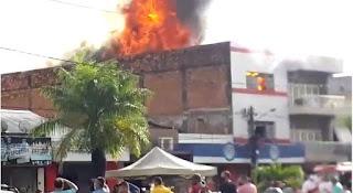 EM GUARABIRA: Prefeito Marcus Diogo se solidariza com equipe de loja atingida por incêndio e parabeniza bombeiros que trabalharam para apagar as chamas
