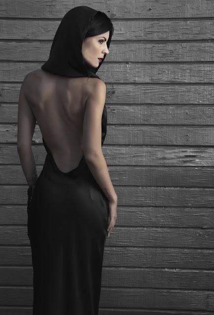 Black+grey+gray+wedding+theme+angelina+jolie+gothic+goth+pride+and+prejudice+elizabeth+bennet+mr+darcy+jane+austen+english+bride+bridal+3 - If Angelina Jolie married Mr. Darcy
