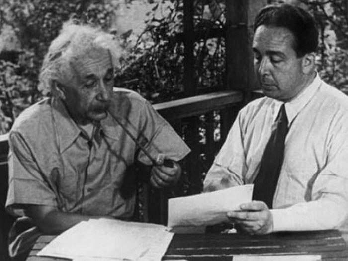 Proyek Manhattan Tercipta Berkat Pengaruh Albert Einstein