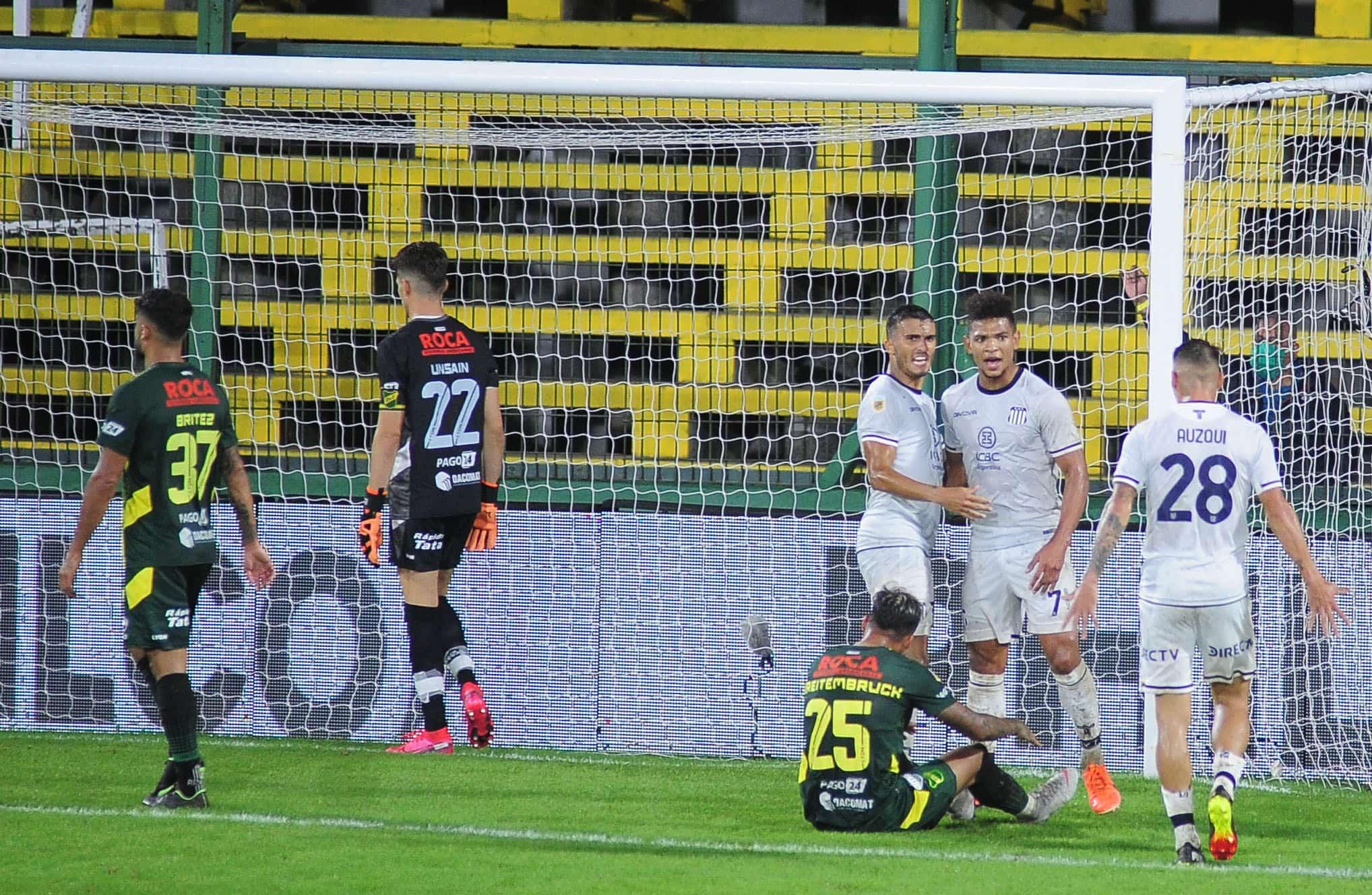 """Defensa y Justicia """"regaló"""" dos goles en contra para el empate de Talleres"""
