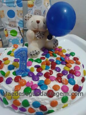 bolo aniversario feito em casa simples