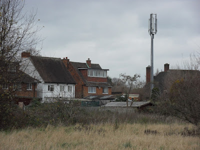 Houses_Near_Cell_Towers_Phone_Mast