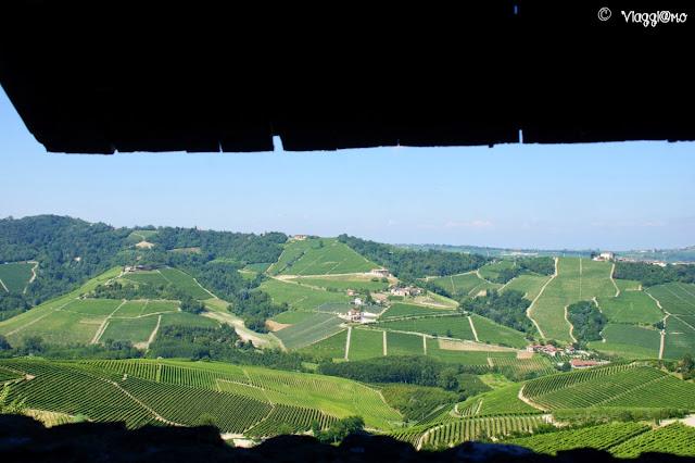 Vista sulle Langhe dall'ultimo piano del Castello di Serralunga