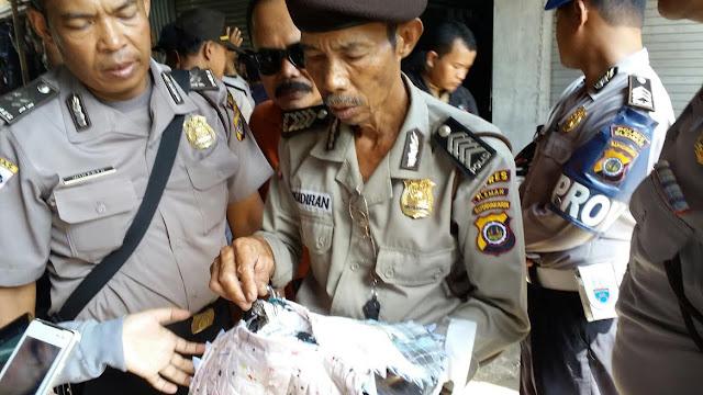 Polisi Dituntut Selesaikan Kasus Keset Berisi Lembaran Al Qur`an