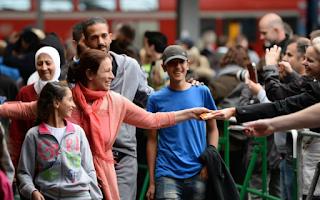 Για «ντροπιαστική συμφωνία κάτω από το τραπέζι» με την Γερμανία για τις οικογενειακές επανενώσεις μεταναστών κάνει λόγο σε ανακοίνωσή της η Δημοκρατική Συμπαράταξη.