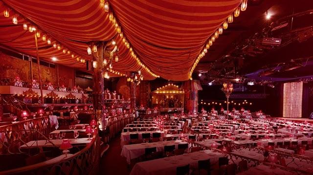 Moulin Rouge no Ano Novo em Paris