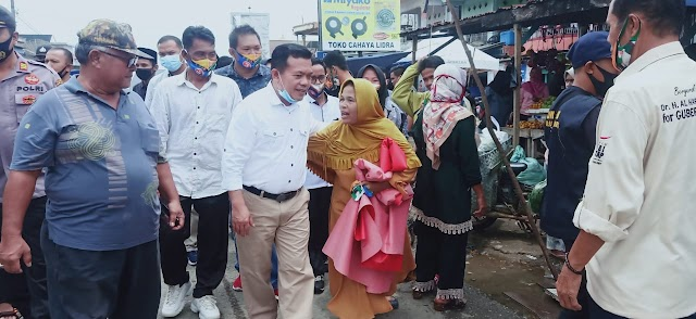 Blusukan ke Pasar Simpang Sungai Rengas Ala Al Haris