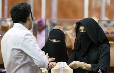 Enam Fatwa Haram Bagi Perempuan Paling Aneh di Dunia