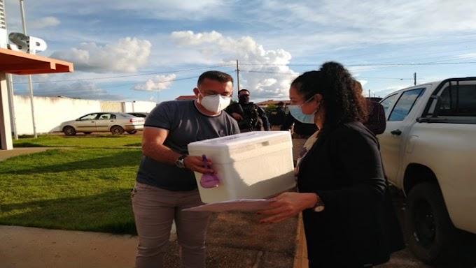 COVID-19: Governo garante imunizar 100% dos profissionais de saúde de Guajará-Mirim