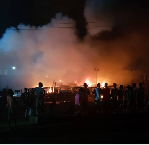 Lagos on fire as hoodlums protest Buhari's lockdown extension
