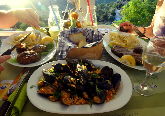 Dinner at Lefkatas